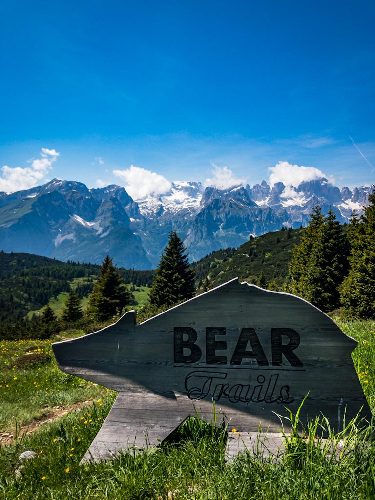 Schild-Bear-Trails